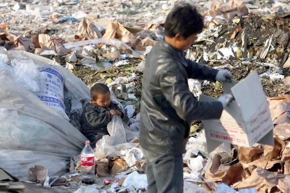 Cancan Chu「Migrant Workers Call Refuse Dump Home」:写真・画像(17)[壁紙.com]