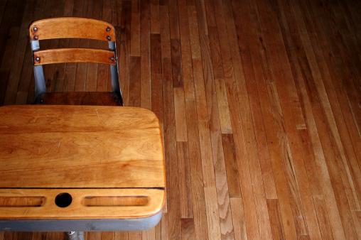 Empty Desk「Awaiting A Student」:スマホ壁紙(9)