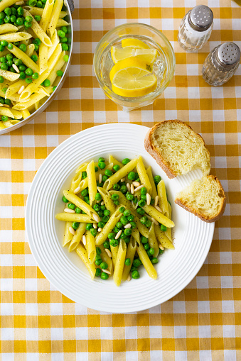 Pine Nut「Penne with peas and pine nuts, from above」:スマホ壁紙(1)