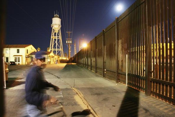 Free Trade Agreement「Border Security Threatens Mexico-California Economic Ties」:写真・画像(7)[壁紙.com]