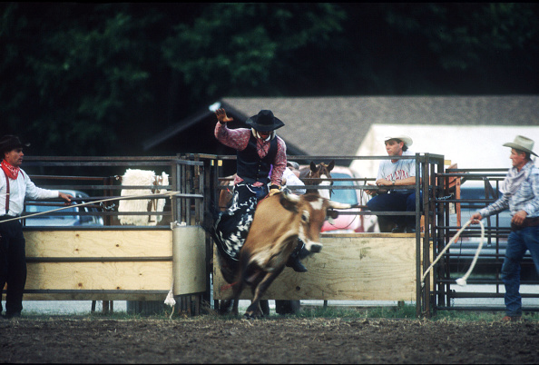 J Pat Carter「Man Rides A Bull July 8 1996 In Pawnee Ok The Pawnee Bill's Wild West Show Is An Ada」:写真・画像(3)[壁紙.com]