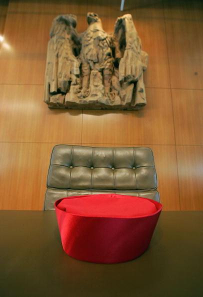 Beret「German High Court Prepares For Verdict On Early Election」:写真・画像(7)[壁紙.com]