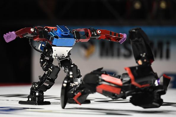 金融と経済「Robots Fight At ROBO-ONE In Tokyo」:写真・画像(2)[壁紙.com]