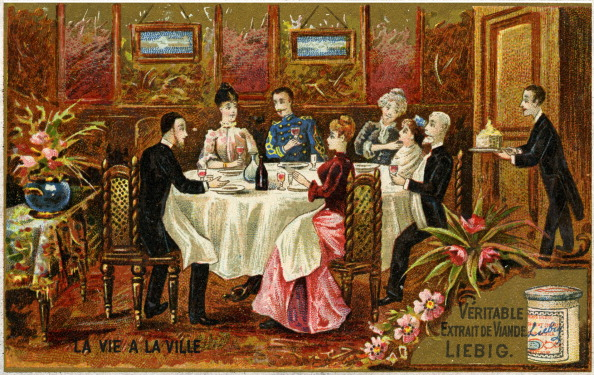 Middle Class「Butler serving dinner to French bourgeois family」:写真・画像(7)[壁紙.com]