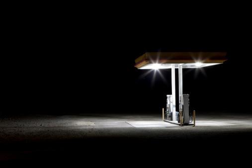 Depression - Land Feature「Gas station in desert at night」:スマホ壁紙(7)