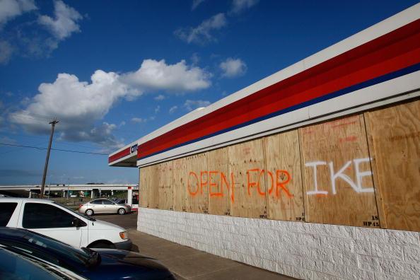 Hurricane Ike「Texas Gulf Coast Prepares For Hurricane Ike」:写真・画像(10)[壁紙.com]
