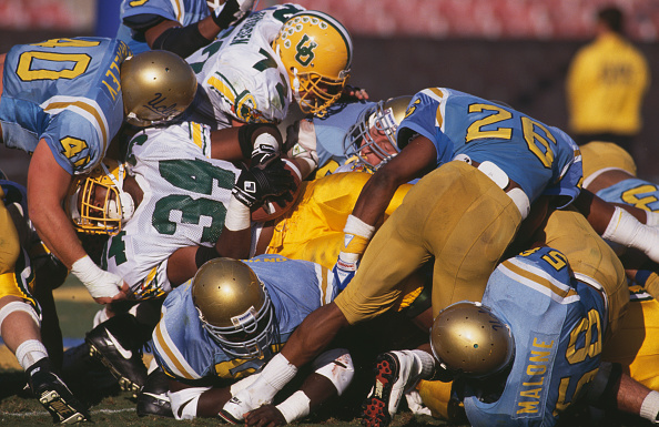 American Football - Sport「University of Oregon Ducks vs UCLA Bruins」:写真・画像(3)[壁紙.com]