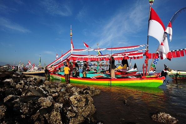 Fisherman「Muslims Make Offerings To God As Part Of Eid Celebrations」:写真・画像(13)[壁紙.com]