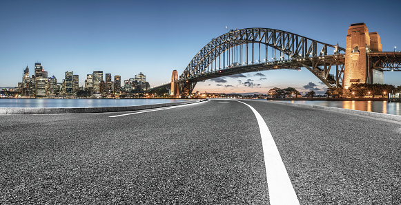 Empty Road「urban road by Sydney Harbor Bridge」:スマホ壁紙(8)