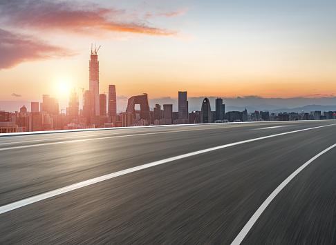 City Life「Urban Road in Sunlight」:スマホ壁紙(8)