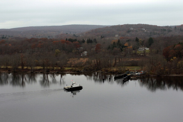 Town「Budget Cuts May Strand Riders Of Connecticut's Ferry System」:写真・画像(10)[壁紙.com]