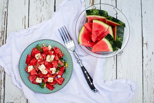 スイカ「Fresh watermelon salad with feta cheese, mint and sesame」:スマホ壁紙(2)
