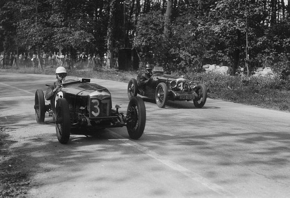 Sports Track「Two Riley Brooklands racing at Donington Park, Leicestershire, 1930s」:写真・画像(4)[壁紙.com]