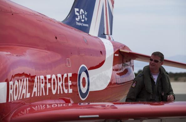 Republic Of Cyprus「The Red Arrows RAF Display Team Conduct Training Exercises Ahead Of Their Season」:写真・画像(16)[壁紙.com]