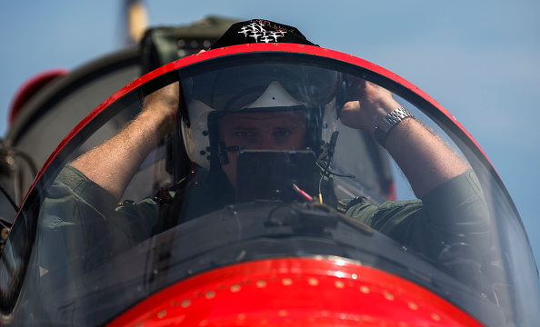 Republic Of Cyprus「The Red Arrows RAF Display Team Conduct Training Exercises Ahead Of Their Season」:写真・画像(17)[壁紙.com]