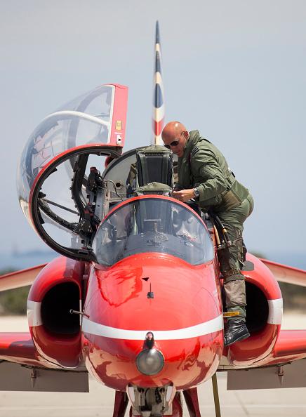 Republic Of Cyprus「The Red Arrows RAF Display Team Conduct Training Exercises Ahead Of Their Season」:写真・画像(9)[壁紙.com]