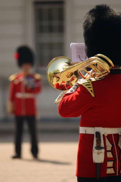 Musical instrument「Soldiers From The Foot Guards Of The Household Division Prepare Ahead Of The Royal Wedding」:写真・画像(13)[壁紙.com]