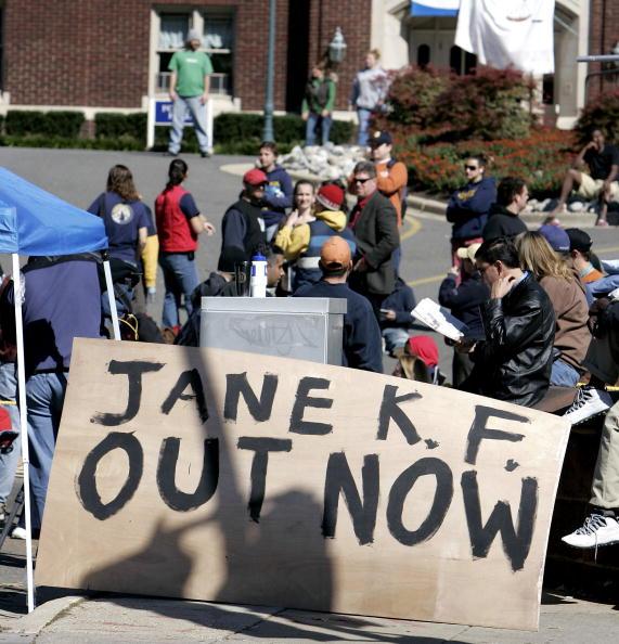 Joshua Roberts「Gallaudet University Protestors Blockade Campus」:写真・画像(16)[壁紙.com]