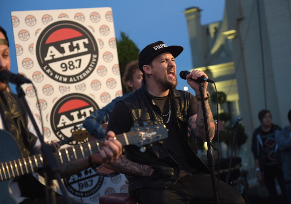 Jason Kempin「The Madden Brothers Perform At 98.7 FM's Penthouse Party Pad」:写真・画像(2)[壁紙.com]