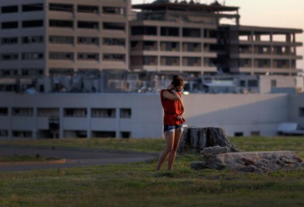 Missouri「Joplin, Missouri Marks One Year Anniversary Of Deadly Tornado」:写真・画像(9)[壁紙.com]