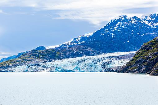 Glacier Bay National Park「A glacier finishing in Johns Hopkins Inlet of Glacier Bay, Alaska, USA - Viewed from a cruise ship sailing the Inside Passage」:スマホ壁紙(2)