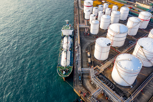 Chemical「Oil Storage tank in the port in Tsing Yi, Hong Kong」:スマホ壁紙(12)