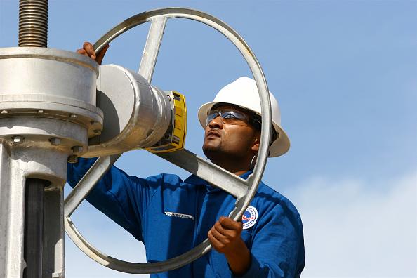 Mid Adult Men「Oil Storage, Guayaguayare, Trinidad」:写真・画像(16)[壁紙.com]