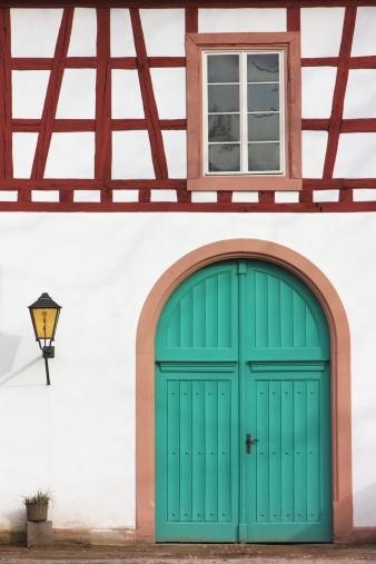 Front Door「Old building, Wiesbaden, Hessen, Germany」:スマホ壁紙(11)