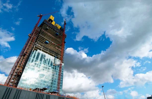 Manchester development The dramatic 171-metre high glass-clad 47 storey tower development expecting to cost around £150 million is the work of north west developer the Beetham Organization With space for a five-star Hilton hotel, offices and apartments,:ニュース(壁紙.com)