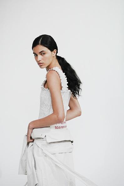 美しさ「Beautiful People : Backstage - Paris Fashion Week Womenswear Spring/Summer 2019」:写真・画像(7)[壁紙.com]
