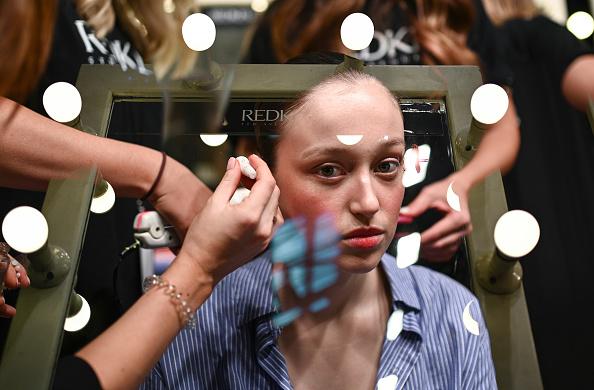 James Gourley「Karla Spetic - Backstage - Mercedes-Benz Fashion Week Australia 2019」:写真・画像(1)[壁紙.com]