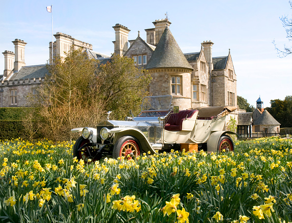 春「1909 Rolls Royce in front of Palace House, Beaulieu」:写真・画像(19)[壁紙.com]
