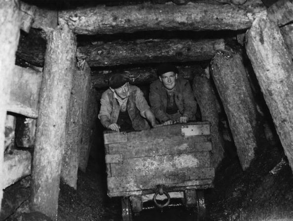 1940-1949「Mine Shaft」:写真・画像(1)[壁紙.com]