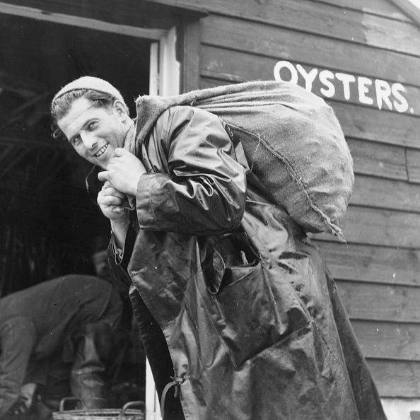 Fisherman「Oyster Season」:写真・画像(9)[壁紙.com]