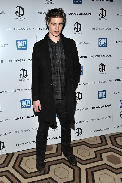 """Stephen Lovekin「The Cinema Society With DKNY Jeans & DeLeon Tequila Host A Screening Of """"No Strings Attached"""" - Inside Arrivals」:写真・画像(15)[壁紙.com]"""
