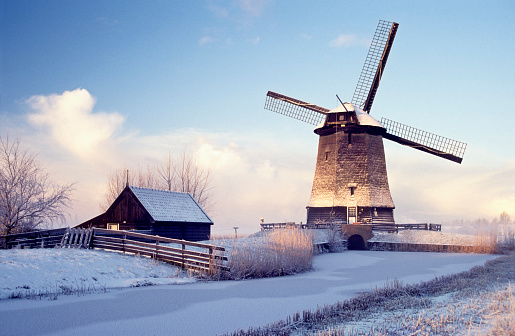 Netherlands「Windmill in Winter Landscape」:スマホ壁紙(3)