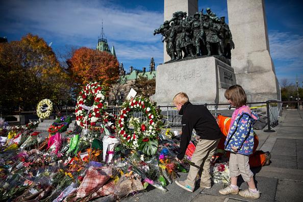 Nathan Burton「Ottawa On Alert After Shootings At Nation's Capitol」:写真・画像(15)[壁紙.com]