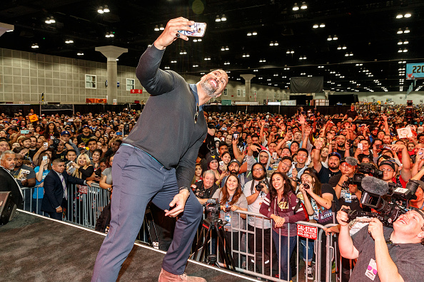 "Comic con「ENTERTAINMENT WEEKLY Presents Dwayne ""The Rock"" Johnson at Stan Lee's Los Angeles Comic-Con on Saturda,, October 28, 2017」:写真・画像(17)[壁紙.com]"