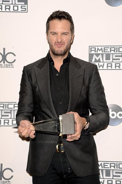 上半身「2014 American Music Awards - Press Room」:写真・画像(13)[壁紙.com]