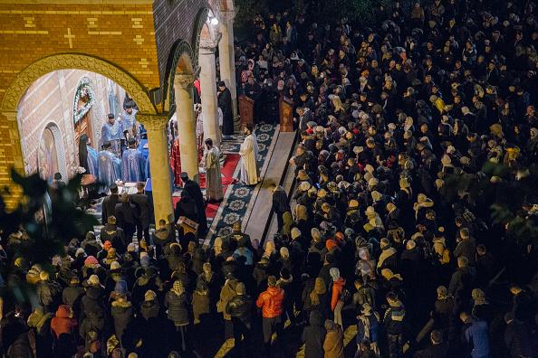 Vladimir Zivojinovic「Midnight Liturgy Of Pilgrims At Djunis Monastery Orthodox Church」:写真・画像(18)[壁紙.com]