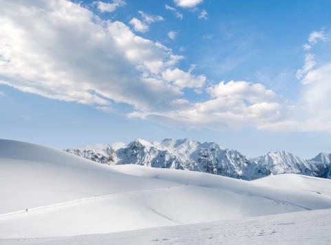 スキー「山」:スマホ壁紙(3)