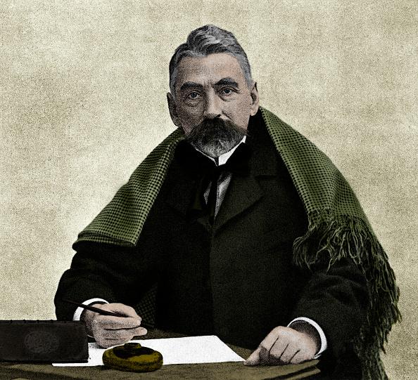 St「StŽphane MallarmŽ at his writing desk」:写真・画像(3)[壁紙.com]