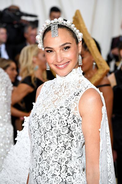Gal Gadot「The 2019 Met Gala Celebrating Camp: Notes on Fashion - Arrivals」:写真・画像(7)[壁紙.com]