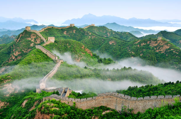 Great Wall of China in Stratosphere Fog, China:スマホ壁紙(壁紙.com)