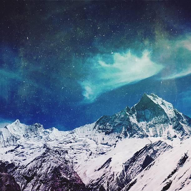 Mountain tops of Himalayas:スマホ壁紙(壁紙.com)