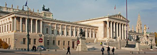Austria「The Vienna Parliament」:写真・画像(3)[壁紙.com]