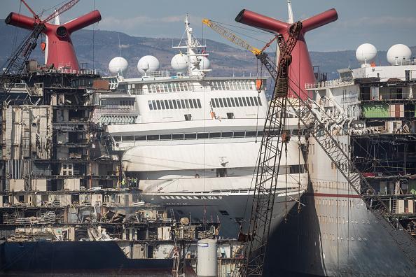 Metallic「Cruise Ships Sold For Scrap Due To Coronavirus Pandemic」:写真・画像(12)[壁紙.com]