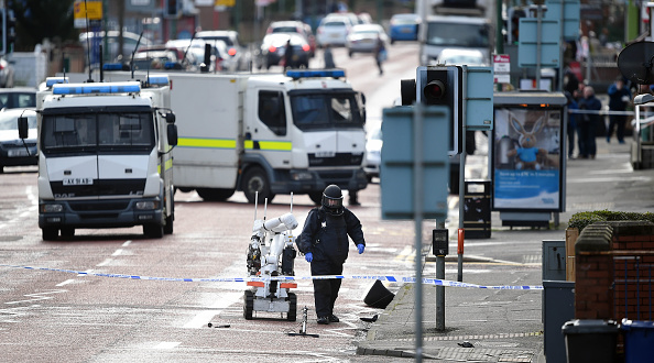 Car Bomb「Under-car Explosion In Belfast Injures A Prison Officer」:写真・画像(15)[壁紙.com]