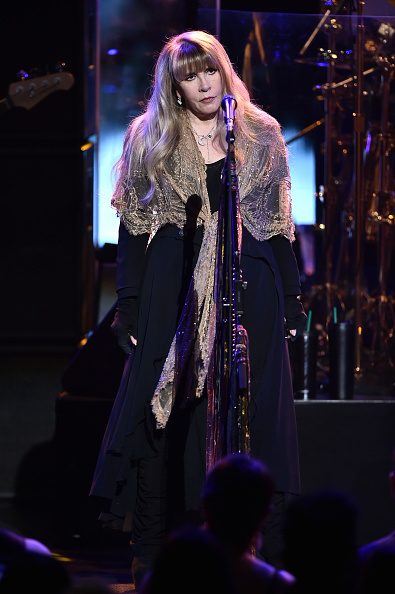 Radio City Music Hall「60th Annual GRAMMY Awards - MusiCares Person Of The Year Honoring Fleetwood Mac - Show」:写真・画像(4)[壁紙.com]
