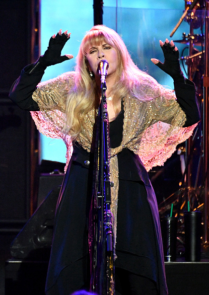 Dia Dipasupil「2018 MusiCares Person Of The Year Honoring Fleetwood Mac - Show」:写真・画像(9)[壁紙.com]